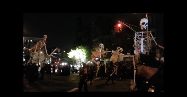 New York'ta Cadılar Geçidi