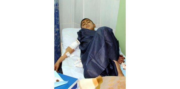 Nusaybin'de 10 Yaşındaki Çocuk 11 Yerinden Bıçaklandı