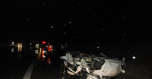 Edirne'de feci kaza, Otomobil Kafa Kafaya Çarpişti: 4 Ölü, 4 Yaralı