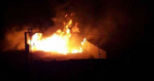 PKK'lılar Nusaybin'de yine okul binası yaktı