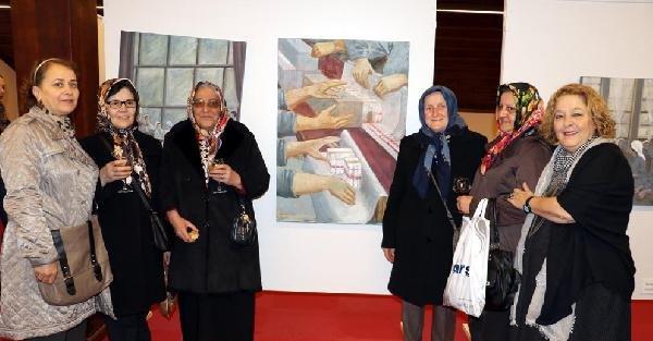Samsun'da 'Kadın Elinde Tütün' konulu resim sergisi açıldı