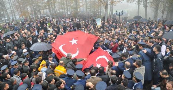 Şehit Astsubay, Bayrak Altında Toprağa Verildi