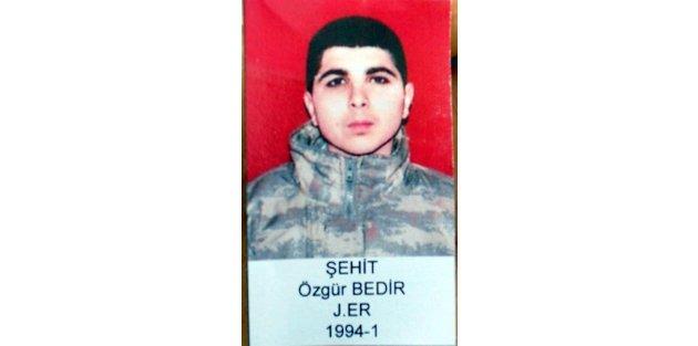 Şehit er İzmir'de gözyaşlarıyla uğurlandı