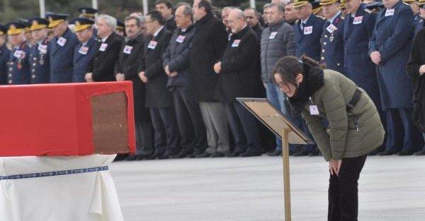 Şehit pilotlar gözyaşlarıyla uğurlandı- ek fotoğraf