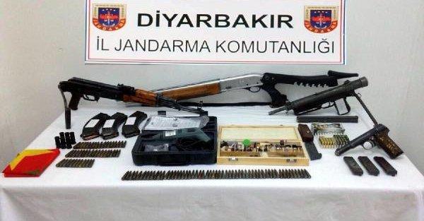 Silvan'da komandolar desteğinde silah operasyonu