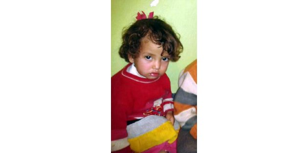 Suriyeli Baba, Ölen Kızına Son Kez Sarıldı (2)
