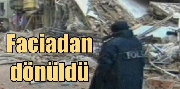 Taksim'de faciadan dönüldü; 5 katlı bina çöktü