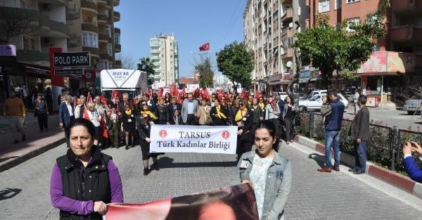 Tarsus'ta sessiz 8 Mart yürüyüşü
