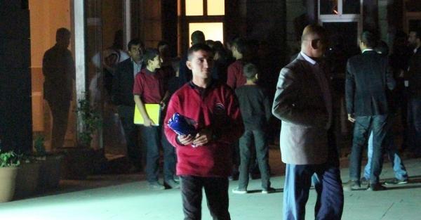 Taş Attıkları İddasiyla Gözaltına Alınan 29 Liseli Serbest Bırakıldı