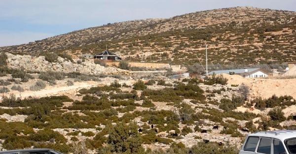 Taş ocağı önünde dinamit ve toz eylemi