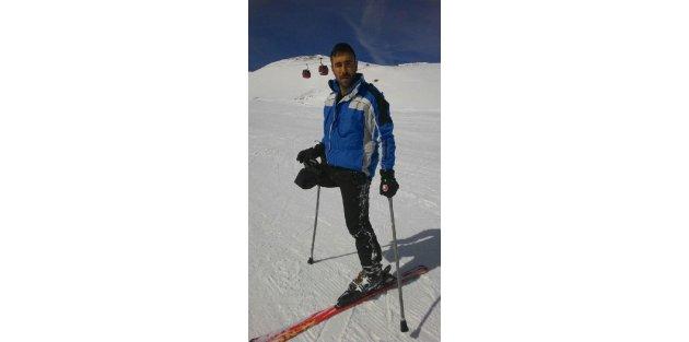 Tek bacaklı kayakçı