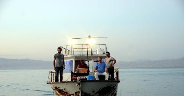 Ters faylar tesbit edilen Erçek Gölü'nün tabanı yükseliyor