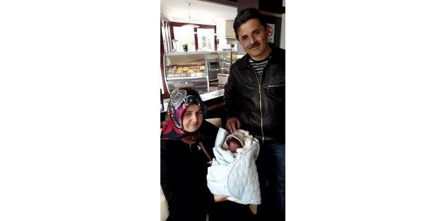 18 yıllık çift, 8nci denemelerinde tüp bebekle çocuk sahibi oldu