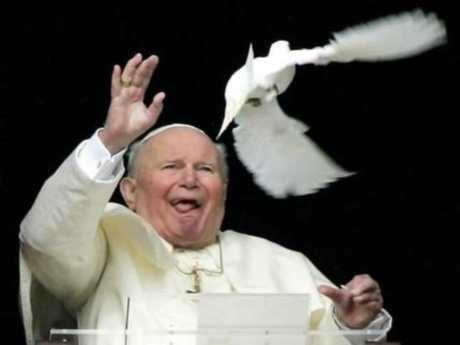 Papa'nın kanını çaldılar