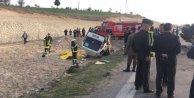 Cenaze aracı ile otomobil çarpıştı, 4 ölü var