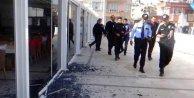 Otele Suriye'den atılan roket mermisi düştü