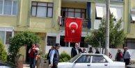 Salihli'ye acı haber geldi; Caddelere bayraklar asıldı
