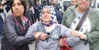 KESK mitingine isyan eden kadını polis gözaltına aldı