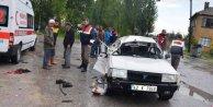 Seydişehir'de trafik kazası: Çekici ile otomobil çarpıştı