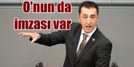 Metin Külünk; Cem Özdemir'in imzası yüz karasıdır