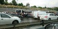 Metrobüs yolunda kaza: Çok sayıda yaralı var....