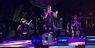 Antalya'da Fatih Ürek konseri tatilcileri coşturdu