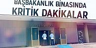Başbakanlık binasında kritik saatler: Kimliklerine el konuldu