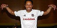 Beşiktaş#039;ın yeni transferi Adriano kim, hangi takımda oynadı?
