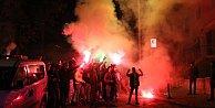 Fenerbahçeli taraftarlar Beyaz TV#039;yi bastı