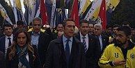 Ali Koç 3 bin Fenerbahçeli ile Anıtkabir'i ziyaret etti