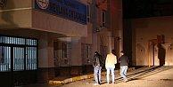 Sultanbeyli'de okulun çatısına molotof attılar