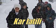 Artvin#039;de okullar tattil; Kar yolları kapadı