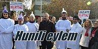 CHP#039;liler başlarında huni ile protesto etti