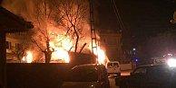 Tinercilerin çıkardığı yangın  mahalleliyi isyan ettirdi