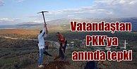 Vatandaşlar, PKK#039;ya kızdı sınıra bayrak dikti
