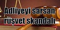 FETÖ davasında rüşvet#039;e suçüstü: Hakim ve avukat tutuklandı