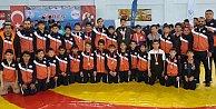 İBB#039;nin Minik Güreşçileri Sinopta Fırtına Gibi Esti