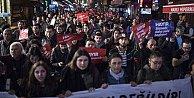 İzmir'de referandum protestosu; 19 gözaltı var