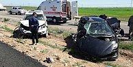 Silopi#039;de polis araçları çarpıştı, 1 ölü 4 yaralı var