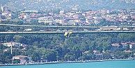 Köprülere Fenerbahçe bayrakları asıldı