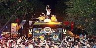 Şampiyon Bağdat Caddesinde turunu attı