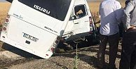 Polis aracı köy minibüsü ile çarpıştı, 2 ölü 18 yaralı var