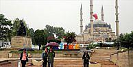 Edirne ve Tekirdağ'da şiddetli sağanak etkili oluyor