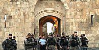 İsrail El-Esbata güvenlik kameraları yerleştiriyor