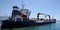Türkiyenin Yemene gönderdiği yardım gemisi Aden Limanında yükünü boşaltmaya başladı
