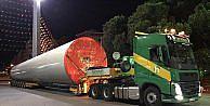 İEF'de sergilenecek 96 metrelik rüzgar türbini fuar alanına taşındı