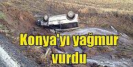 Konya'da şiddetli yağmur; Sel suları araçları sürükledi