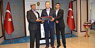 Ömer Halisdemir'in babasından Trabzon Valisi Yavuz'a ziyaret
