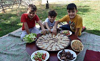 Arnavutların asırlık lezzeti: Fliya böreği