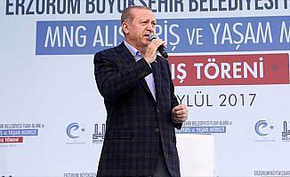 Cumhurbaşkanı Erdoğan: Bu Feto denilen adam ümmeti parçaladı
